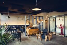 AnA interieur M EATERY Mechelen restaurant vleeskamer hout staal uai Interieur Architecten | Mechelen | Design Studio Anneke Crauwels
