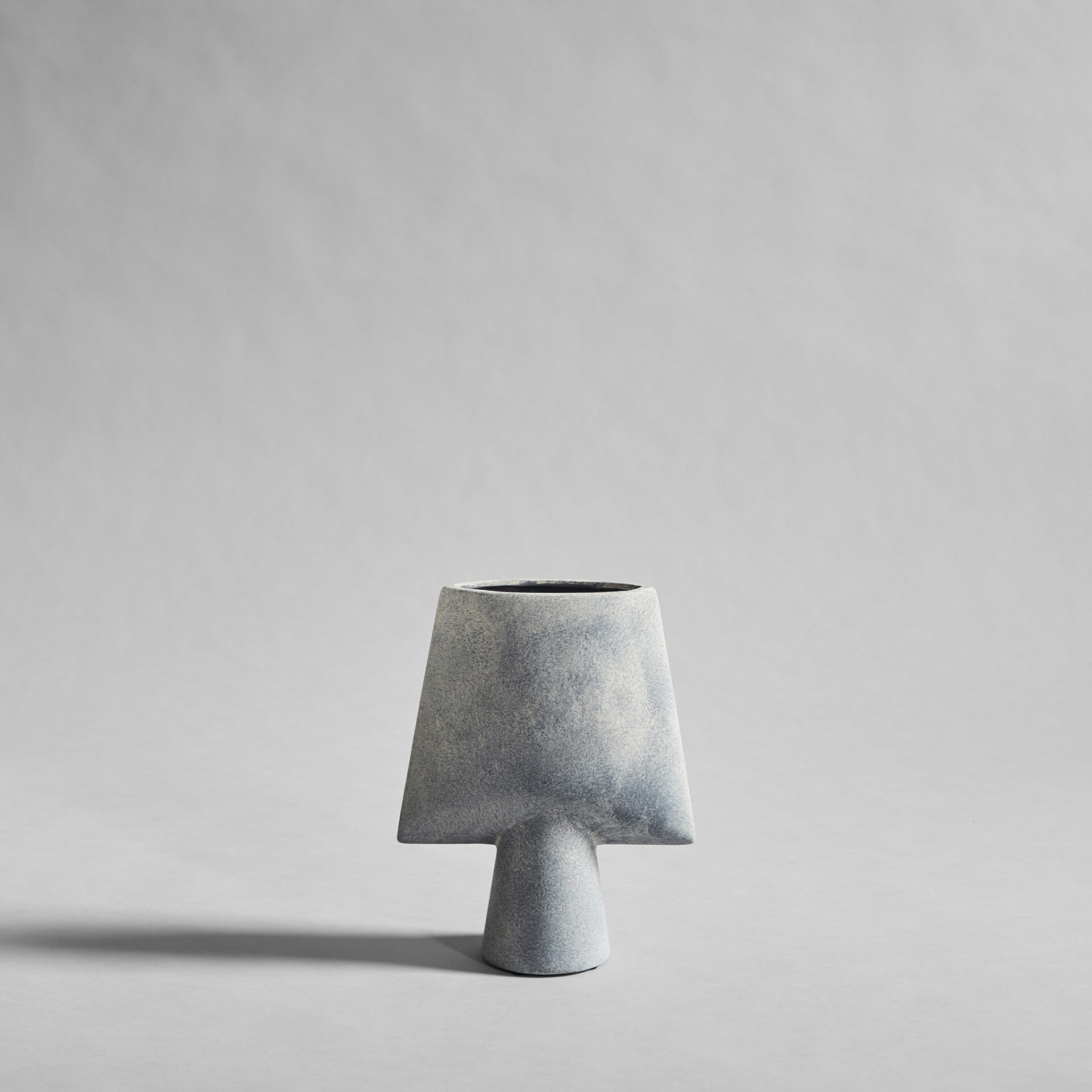 011215 SPHERE VASE SQUARE MINI LIGHT GREY | Design Studio Anneke Crauwels | Interieur | Mechelen