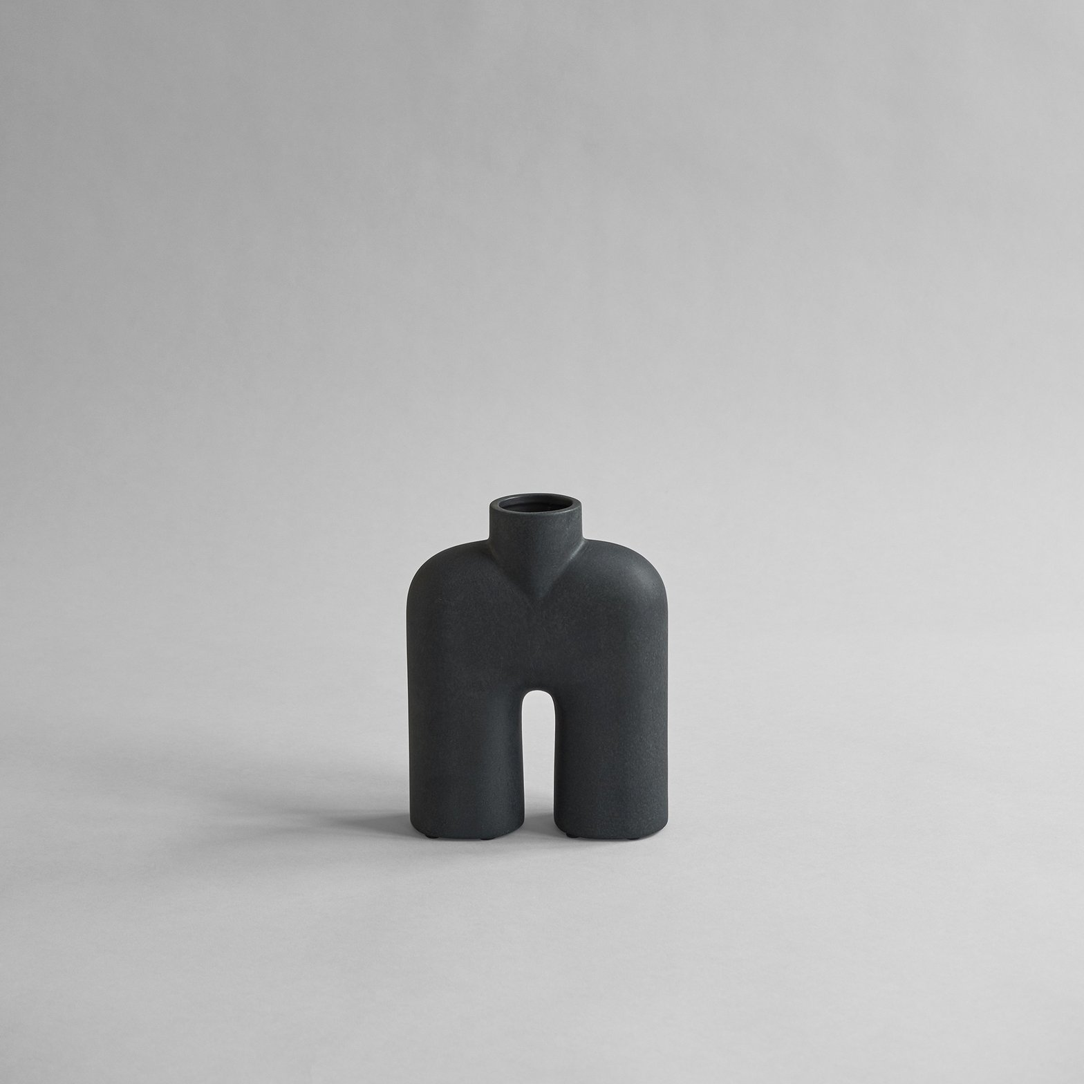 Object Cobra tall black   Design Studio Anneke Crauwels   Interieur   Mechelen